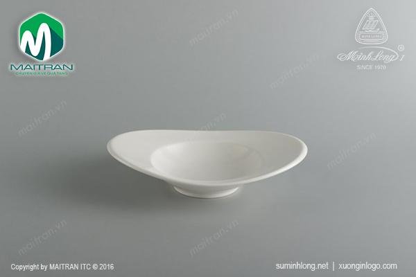 Chén oval vành 17cm Anh Vũ