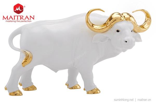Tượng gốm sứ Minh Long Trâu Vương Giả 30cm - Màu Trắng - Trang trí vàng