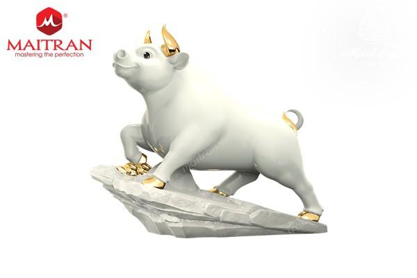 Tượng gốm sứ Minh Long Trâu Thịnh Vượng 25cm - Màu Trắng - Trang trí vàng 24k